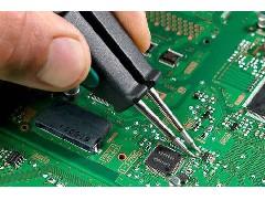 造成电路板孔壁镀层空洞的原因是什么