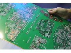铝基板与印刷电路板是一样的吗